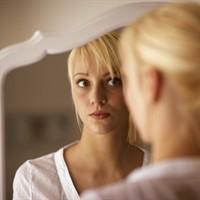 Come liberarsi dal clich della brava ragazza - Bambini che si guardano allo specchio ...