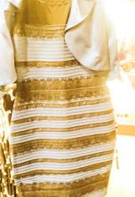 huge discount ec702 e73a8 Di che colore è questo vestito? - Style.it