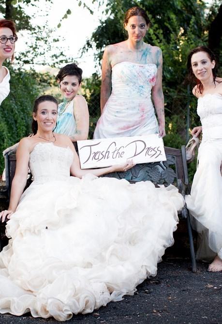 Trash the dress: l'ultima frontiera del servizio fotografico