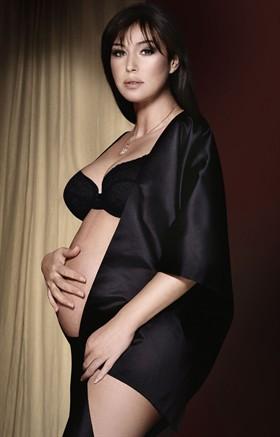 Bellucci Calendario.Monica Bellucci I Figli Non Sono Come I Film Style It